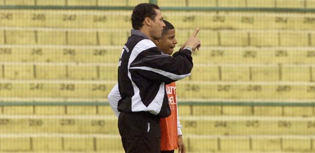 Marcelinho ao lado de Luxemburgo em 1998: título brasileiro mesmo com desavenças