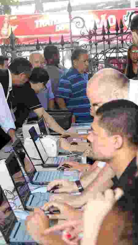 Sócios passam por checagem no dia da eleição do Vasco - Paulo Fernandes / Flickr do Vasco