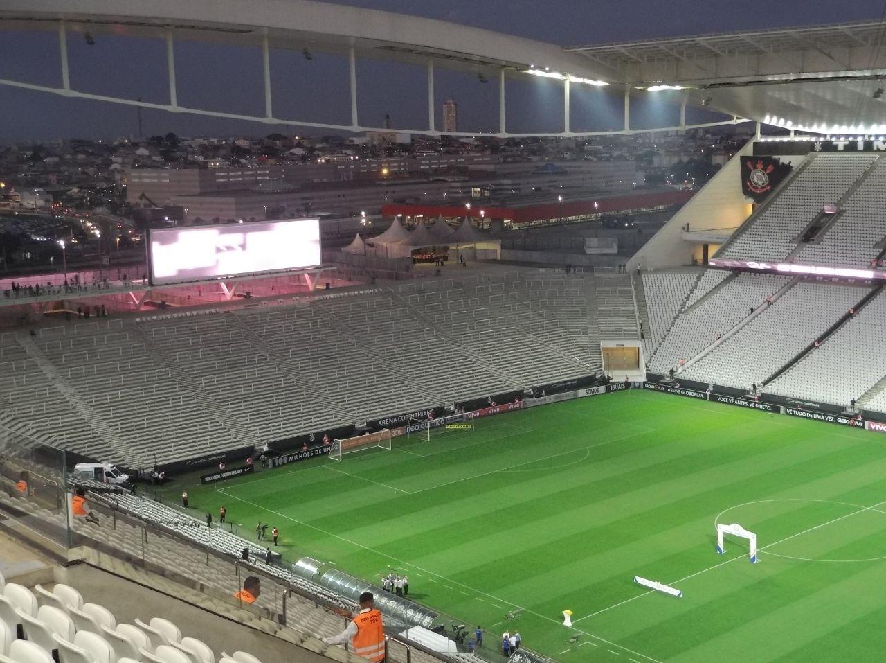 Iluminação da Arena Corinthians acaba de ser acesa