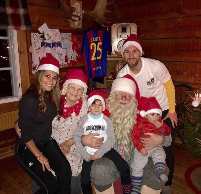 O Natal de Messi teve até Papai Noel