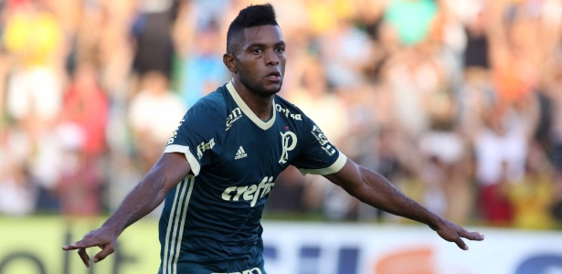 Palmeiras rejeita Adidas e vê Topper rivalizar com Puma após nova proposta