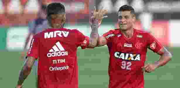 Ederson está relacionado para o jogo que marca a despedida de Júlio César - Gilvan de Souza/Flamengo