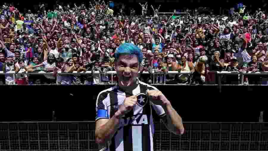 Felipe Neto e Marcelo Adnet ajudarão Botafogo na negociação com Yaya Toure - Vitor Silva/SSPress