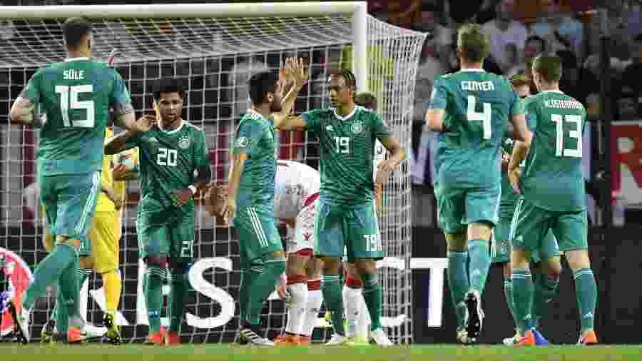 Leroy Sané comemora gol da Alemanha diante de Belarus nas eliminatórias para a Eurocopa 2020 - John MacDougall/AFP