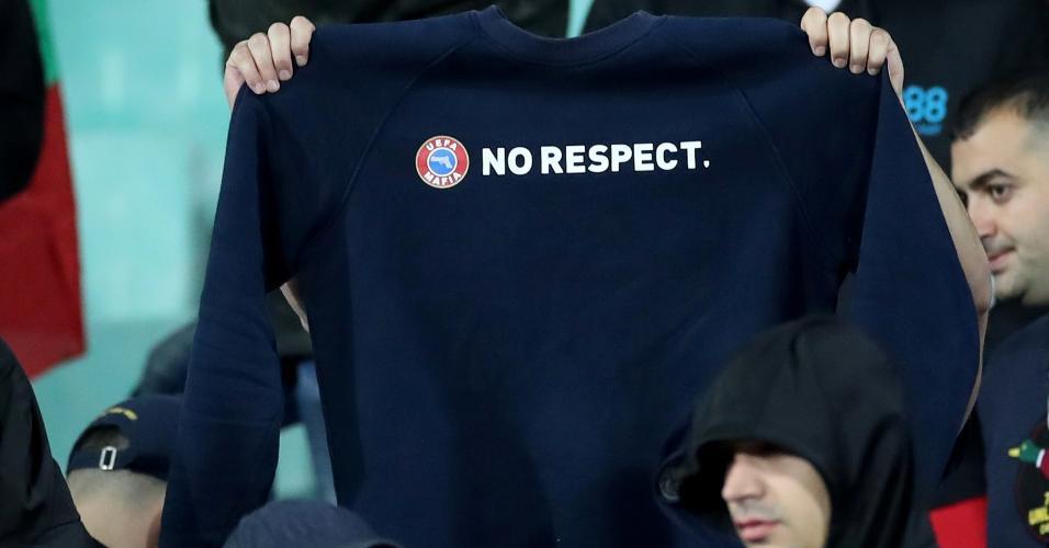 Torcedores búlgaros distorcem campanha da UEFA