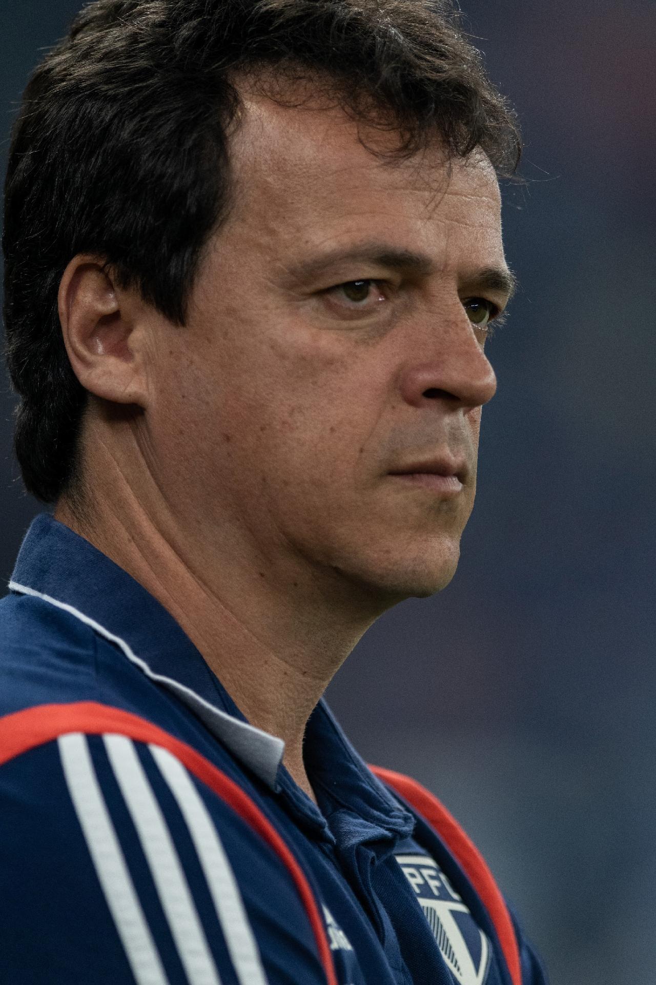 """Diniz admite São Paulo """"abaixo do que deveria"""" em derrota para o Cruzeiro"""