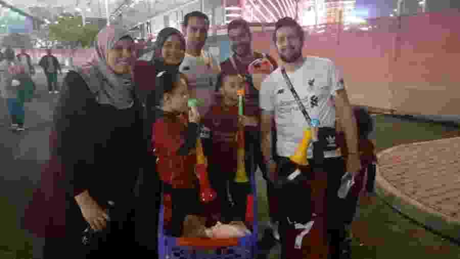 Torcedores egípcios do Liverpool chegam para a semifinal do Mundial de Clubes, no Estádio Internacional Khalifa - Leo Burlá / UOL