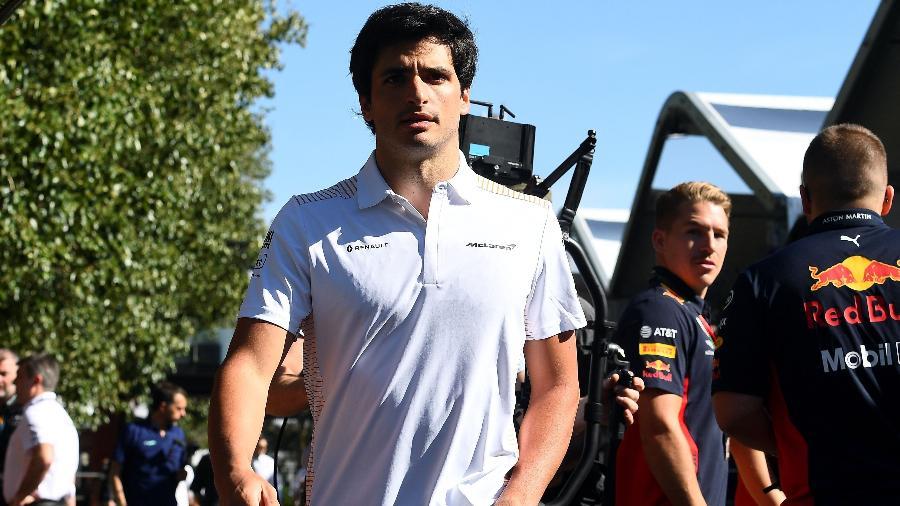Carlos Sainz ainda fará a temporada 2020 por sua atual equipe, a McLaren - William West/AFP