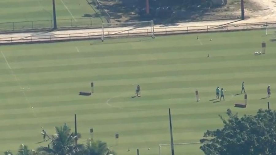 Flamengo treina sem distanciamento social adequado - Reprodução/TV Globo