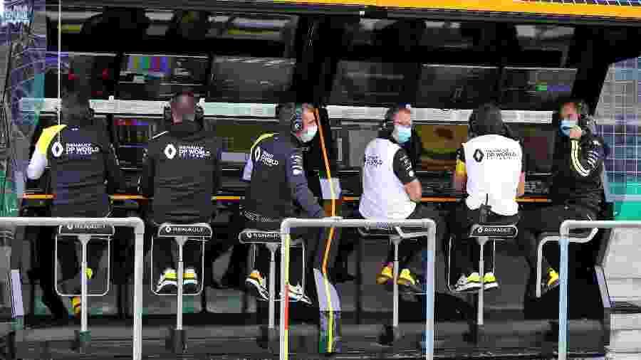 Equipe Renault com máscaras durante treinos do GP da Áustria - Renault/Divulgação