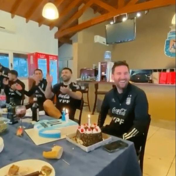 Messi comemora 34 anos com festa na concentração da Argentina