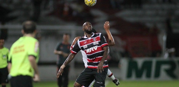 Grafite marcou 24 gols em 56 jogos em sua segunda passagem pelo Santa Cruz - Antônio Melcop/Santa Cruz