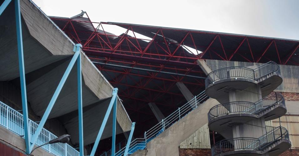 Cobertura do Estádio Balaídos, Celta de Vigo, é danificada pelos ventos