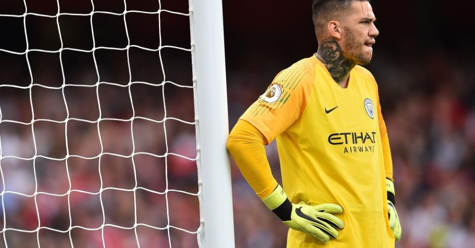 Ederson falhou duas vezes na saída de bola na partida do City contra o  Arsenal 24c280ed85a02