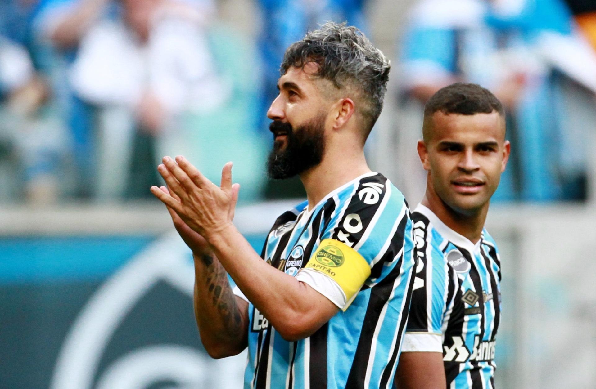 Grêmio paga mais de R  100 milhões em contas e vê 2019  mais limpo  -  21 09 2018 - UOL Esporte ec0694c4e6839