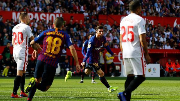 6765c1fda69 Messi liga  modo ET  e faz 3 golaços em vitória de virada do ...