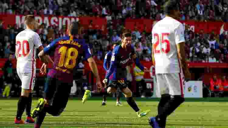 Messi comemora após marcar de voleio - REUTERS/Marcelo del Pozo  - REUTERS/Marcelo del Pozo
