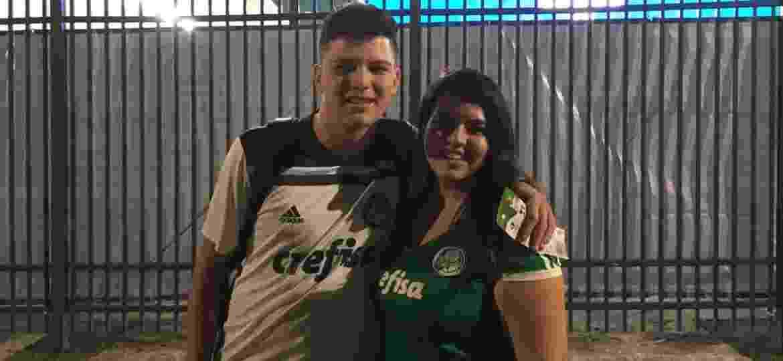 Felipe e Fernanda vestiram a camisa do Palmeiras e foram à Arena Corinthians - José Eduardo Martins/UOL