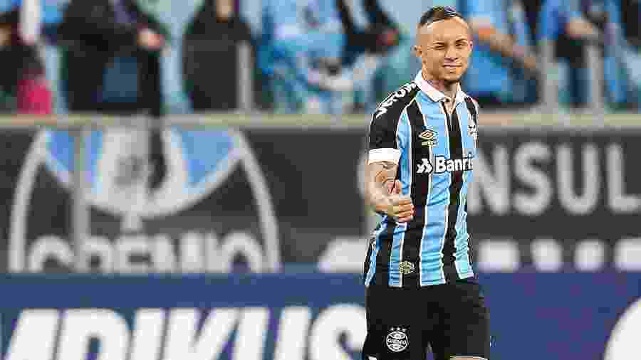Everton, jogador do Grêmio, não recebeu a proposta esperada e clube já cogita permanência - Pedro H. Tesch/AGIF