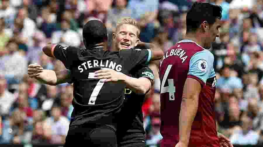 Balbuena, do West Ham, se lamenta após gol do Manchester City - Ian KINGTON / AFP