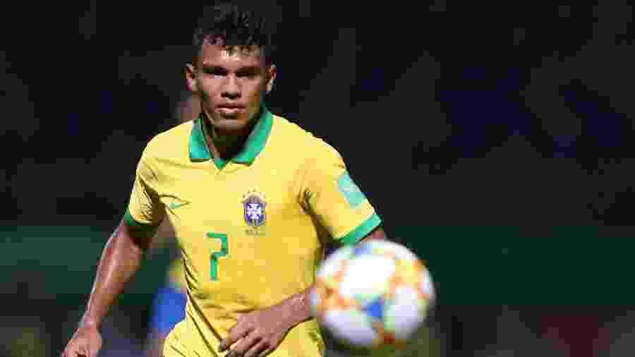 Gabriel Veron só completará 18 anos em setembro no ano que vem, mas já será promovido - Heber Gomes/AGIF