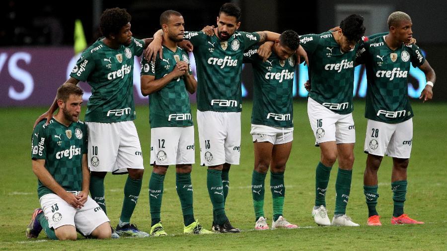 Jogadores do Palmeiras durante a disputa de pênaltis da final da Recopa Sul-Americana, contra o Defensa y Justicia - Getty Images