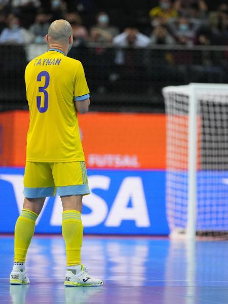 Taynan lamenta gol contra marcado em Brasil x Cazaquistão, na disputa do terceiro lugar na Copa do Mundo de Futsal - Angel Martinez - FIFA via Getty Images - Angel Martinez - FIFA via Getty Images