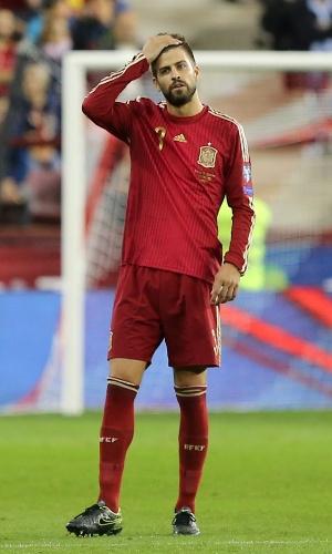Pique joga pela Espanha contra Luxemburgo