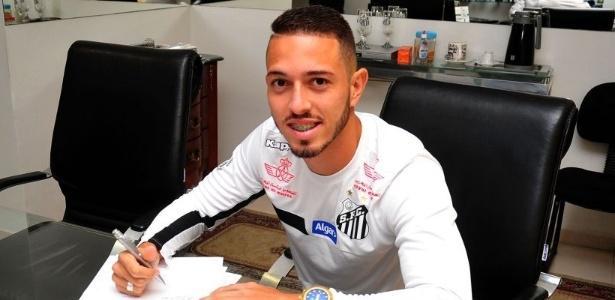 Jean Mota, ex-Fortaleza, assina contrato com o Santos até 31 de maio de 2020