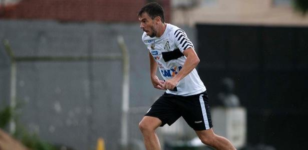 Leandro Donizete fará sua estreia com a camisa do Santos neste domingo