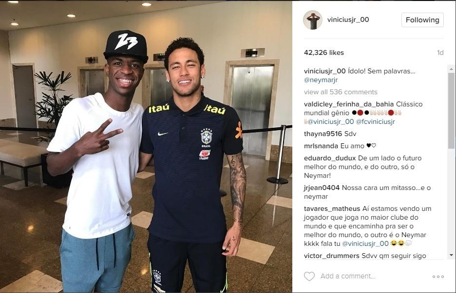 Vinicius Júnior e Neymar posam juntos na concentração da seleção em São Paulo