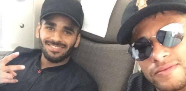 Ao lado de Douglas, Neymar viaja com o Barcelona para pré-temporada nos Estados Unidos - Reprodução/Instagram