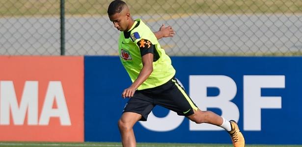 Jorge, do Monaco, em primeiro treino na seleção principal