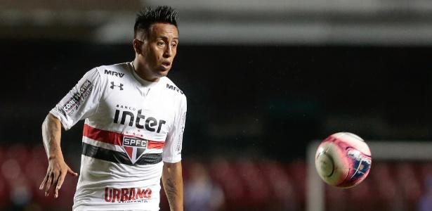 Cueva soma 74 partidas e 18 gols com a camisa do São Paulo