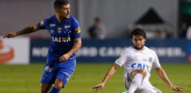 Santos pediu Arrascaeta após rejeitar lista de atletas oferecidos por Bruno Henrique - Marcello Zambrana/AGIF