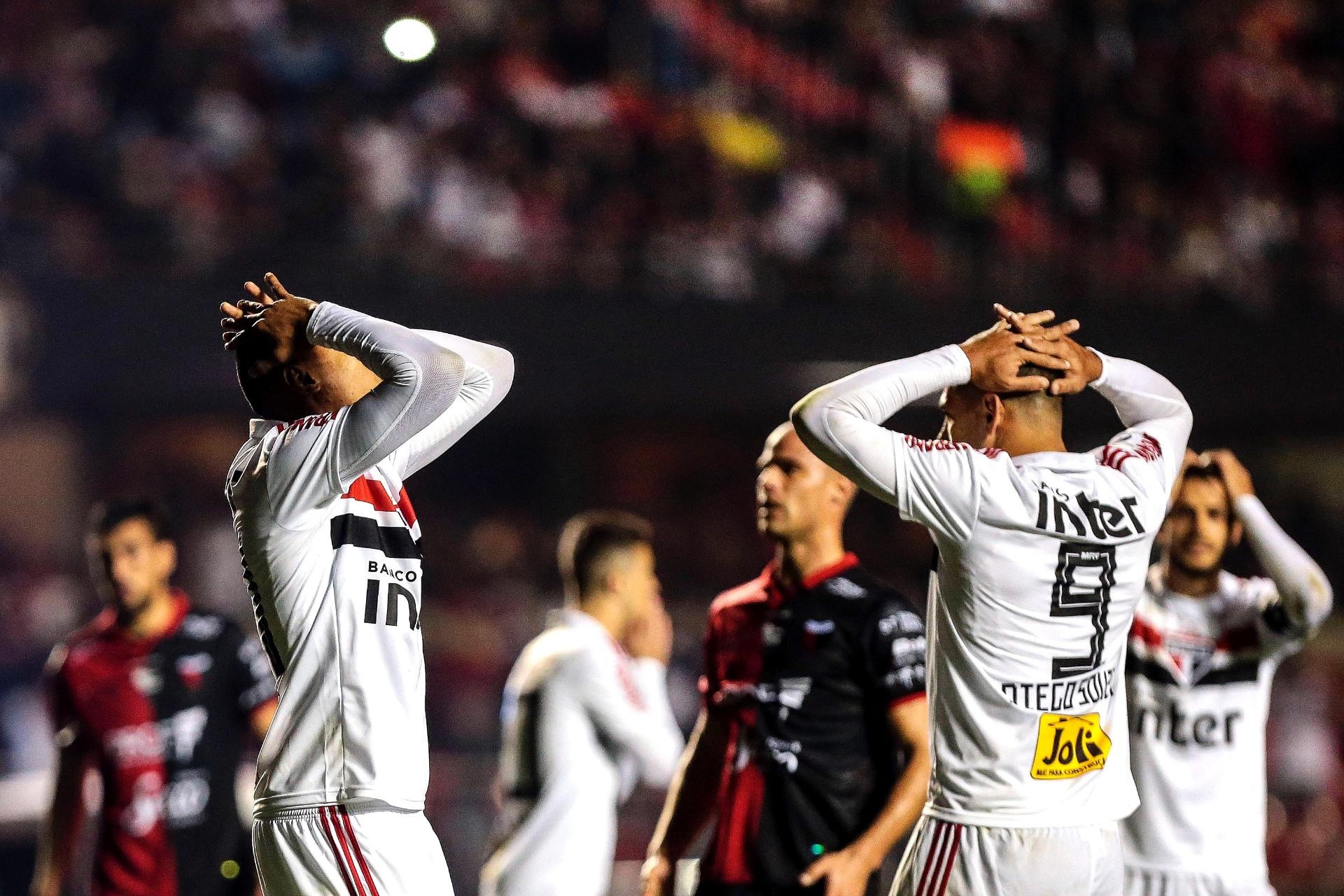 Assista aos melhores momentos de São Paulo X Colón - 02 08 2018 - UOL  Esporte 07911e39a7254