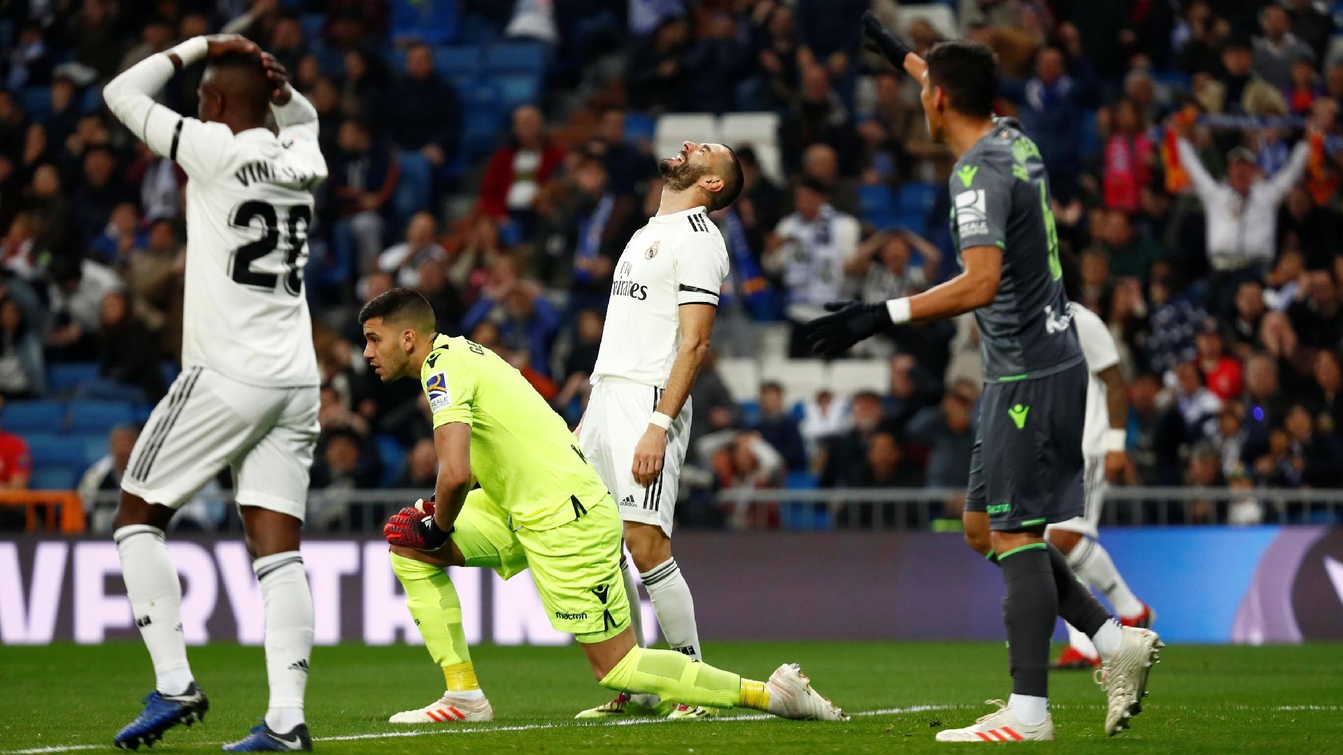 Jogadores do Real Madrid lamentam lance em partida contra a Real Sociedad