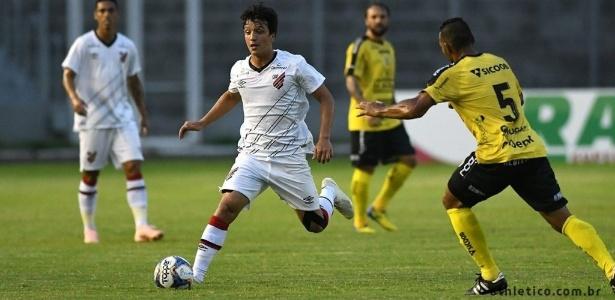 Matheus Anjos esteve em campo contra o Cascavel: time ainda não marcou gols em 2019 - Divulgação/Athletico-PR