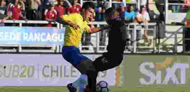 Igor Gomes, meia do São Paulo, em ação pelo Brasil no Sul-Americano Sub-20 - EFE/Elvis González