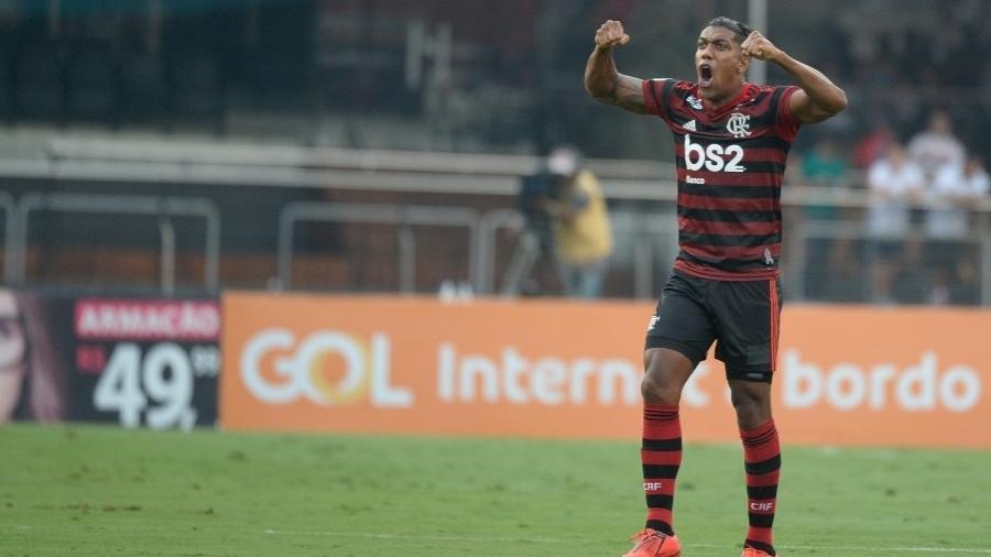 Berrío foi até lateral direito no Flamengo antes de se mudar para os Emirados Àrabes - Alexandre Vidal / Flamengo