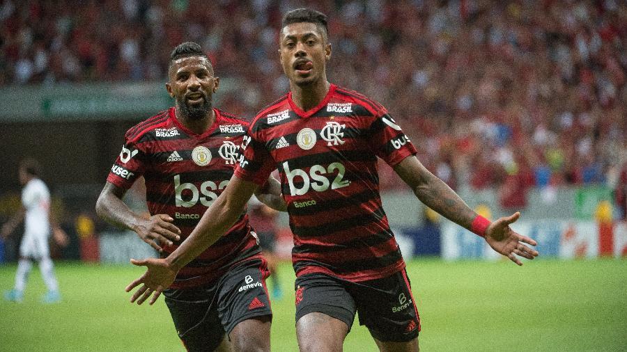 Resultado de imagem para Flamengo entra em campo para abrir 8 pontos de vantagem na liderança do Brasileirão