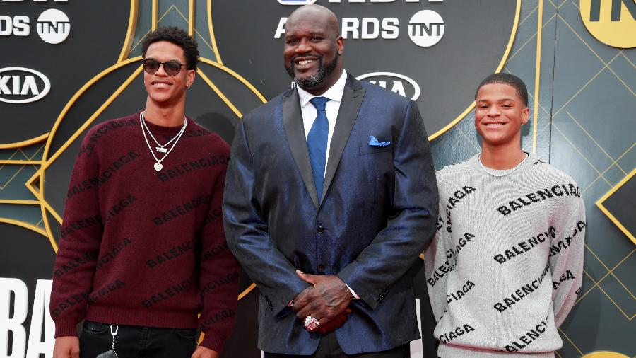 """Shaquille O""""Neal com os filhos Shareef e Shaquir - Rich Fury/Getty Images"""