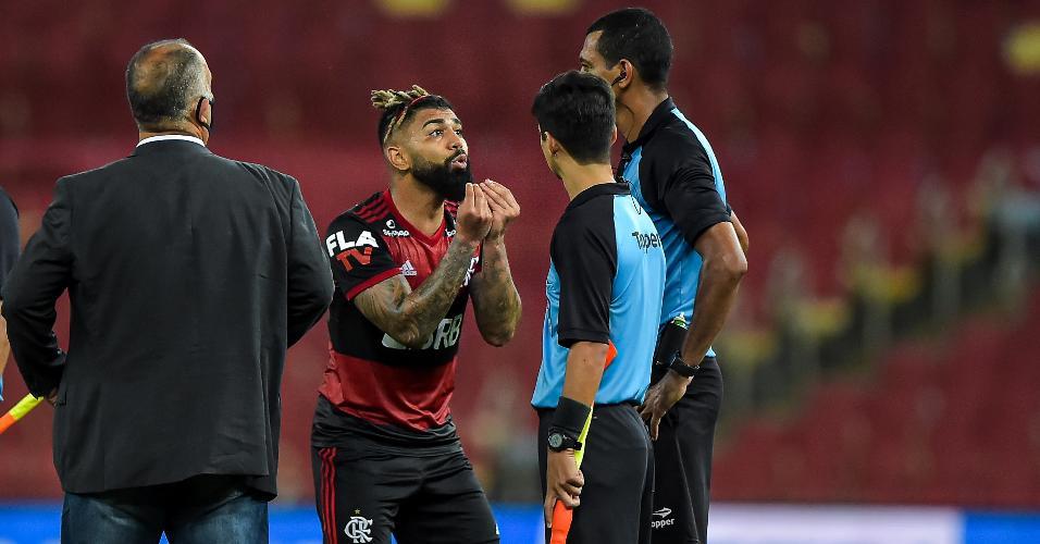 Gabigol é expulso no final de Fluminense x Flamengo e questiona arbitragem