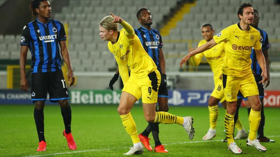 Haaland comemora gol do Borussia Dortmund contra o Club Brugge, pela Liga dos Campeões - Getty Images