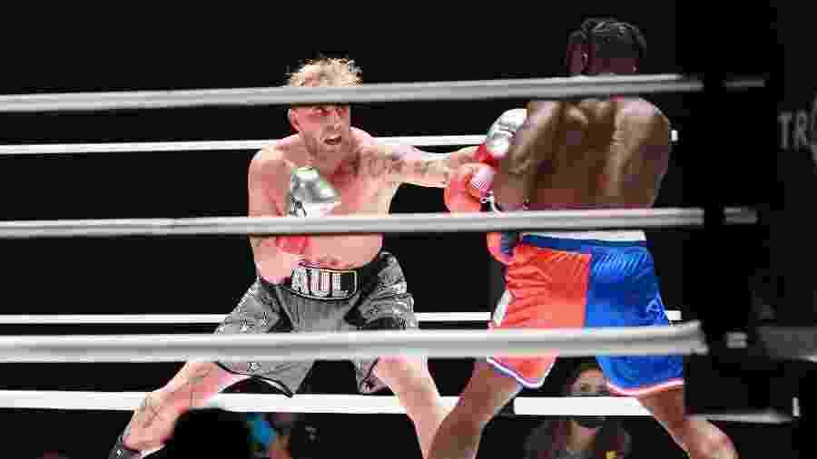 Scott Coker elogiou empenho de Jake Paul (esq.) em buscar carreira no boxe - Joe Scarnici/Handout Photo via USA TODAY Sports