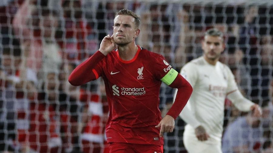 Henderson comemora gol do Liverpool sobre o Milan na Champions League  - REUTERS/Phil Noble