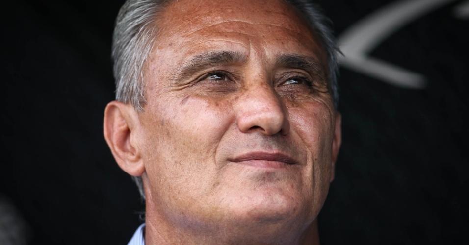 Detalhe do técnico Tite, do Corinthians, durante o clássico contra o São Paulo