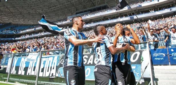 Torcida do Grêmio bateu recorde de público na manhã deste domingo