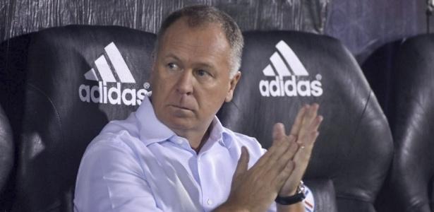 Treinador viu sua equipe amargar segunda eliminação em menos de uma semana