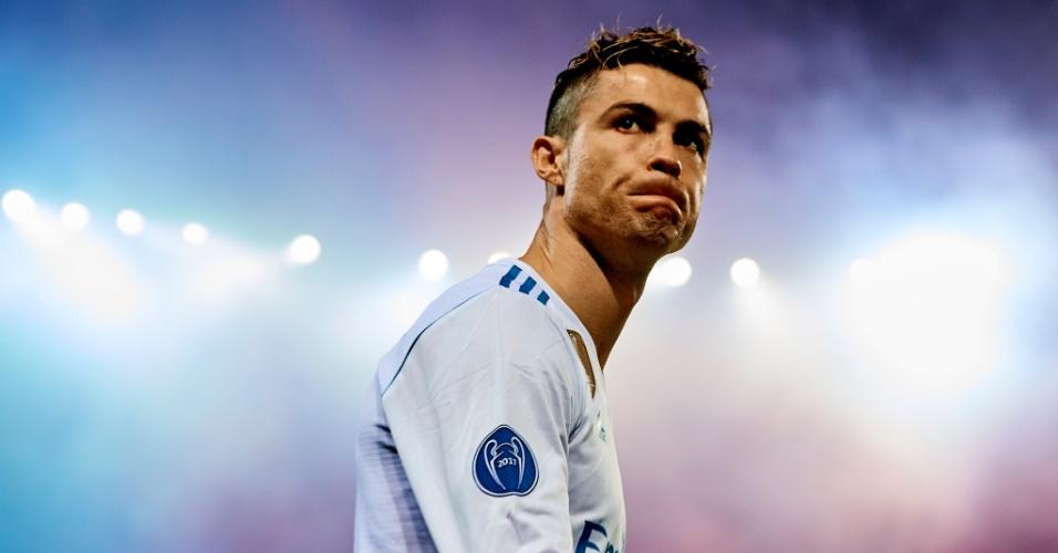 Cristiano Ronaldo comemora gol do Real Madrid contra o PSG pela Liga dos Campeões
